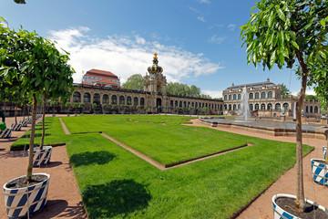 Fototapete - Dresden: Zwinger mit Kronentor
