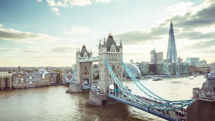 Fotomurales - time lapse London skyline with Tower bridge, UK