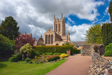 St Edmundsbury Cathedral is the cathedral for the Church of England's Diocese of St Edmundsbury and Ipswich.  Fototapete