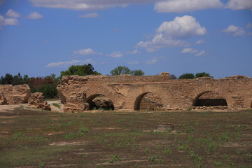 aqueduc romain et citernes à Carthage