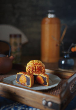 Traditional Chinese food, mooncakes