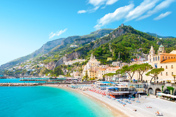 Papiers peints Cote Amalfi cityscape on coast line of mediterranean sea, Italy