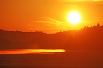 Foto op Aluminium Ochtendgloren Sonnenuntergang auf der Schwäbischen Alb