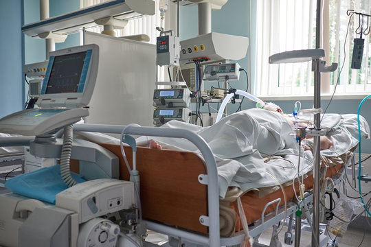 Critical state intubated patient with STEMI in intensive care department