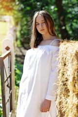 jeune fille campagne soleil