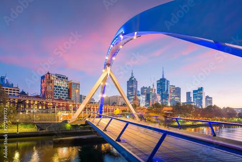 Fotomurales Melbourne city skyline at twilight in Australia