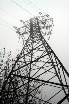 Tower power transmission from bottom to top