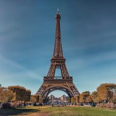 Fototapete - Eiffel tower in Paris in daytime