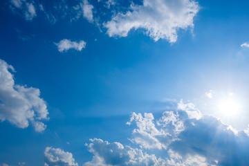 【写真素材】 青空 空 雲 初夏の空 背景 背景素材 6月 コピースペース