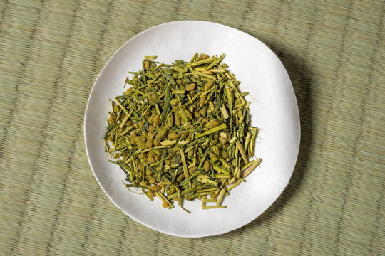 玄米茶 Drink of tea with whole rice Japan
