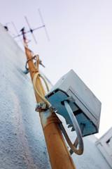 alte Antenne mit Analog-Digital-Wandler