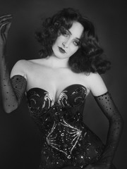 portrait of a woman, cabaret and glamor, with Marlène Dietrich style, black and white