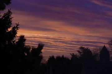 Papiers peints Aubergine coucher de soleil, ciel, soleil, nuage, paysage, nature, arbre, lever du soleil, nuage, arbre, soir, orange, crépuscule, nuit, beau, silhouette, forêt, lumière, matin, crépuscule, rouge, beauté