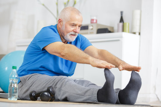 senior fitness man warmup training indoors