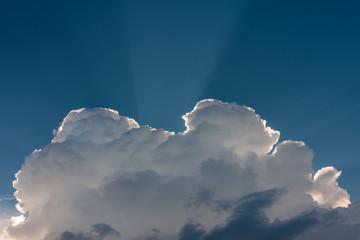 Chmury i niebo