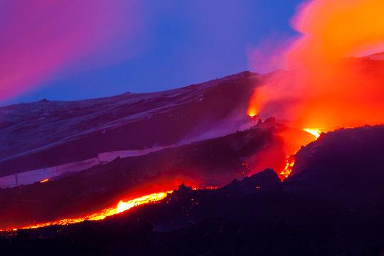 Volcano Eyjafjallajökull. Iceland. April 2010. Erupción volcánica en el area de Fimmvörduhals, Sur de Islandia