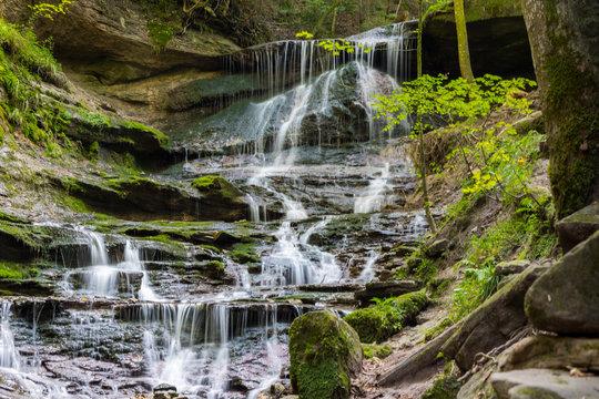 Rechter Oberer Wasserfall des Hörschbachs in Murrhardt nah