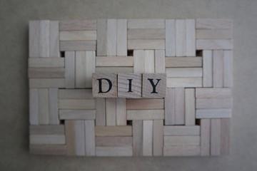 DIYの英文字と積み木