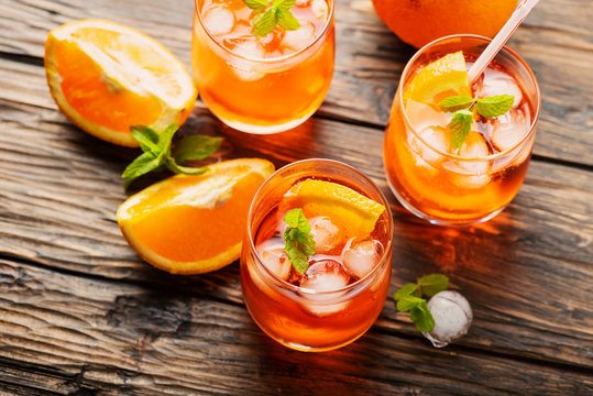 Aperol Spritz with orange