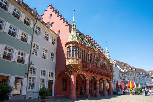 Historisches Kaufhaus in Freiburg, im Südschwarzwald, Deutschland
