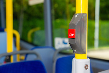 Stop Taste im Bus
