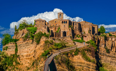 """Civita di Bagnoregio """"the town that is dying"""", a beautiful and small medieval city near Rome"""