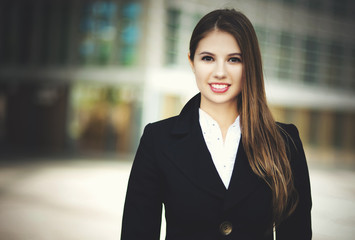 Portrait of a young smiling business woman
