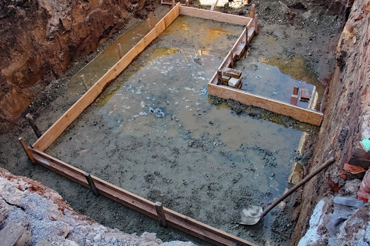 Baugrube für Kellerfundament