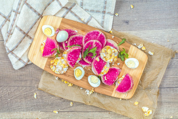 Nutritious grain breads with red radish