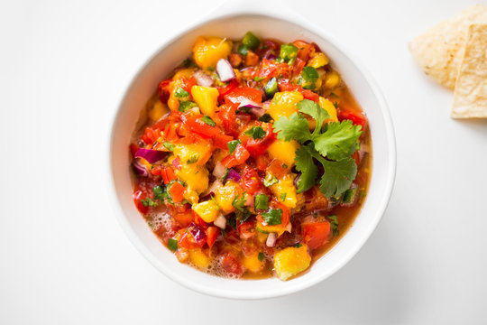 Healthy Fresh Peach Salsa with Tortilla Chips