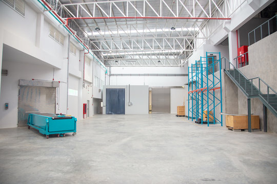 empty warehouse interior in logistic industry