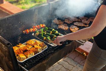 grill - szaszłyki, karkówka, cukinia faszerowana, babka ziemniaczana