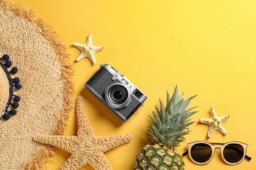 Flat lay composition with beach accessories on color background. Space for text Fotoväggar