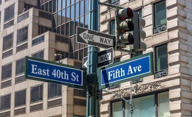 Fototapete - 5th ave and E40 corner. Blue color street signs, Manhattan New York downtown