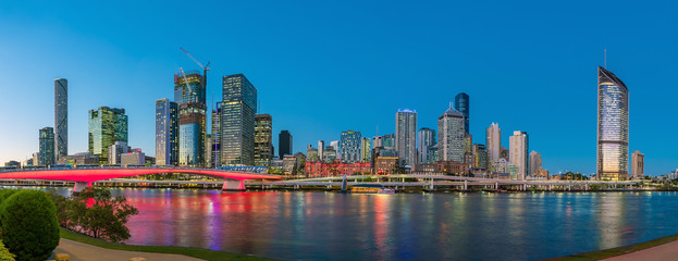 Fotomurales - Brisbane city skyline  at twilight in Australia