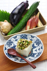 Japanese vegan cuisine, Dashi is Japanese chopped vegetable salad which is put on rice or tofu.