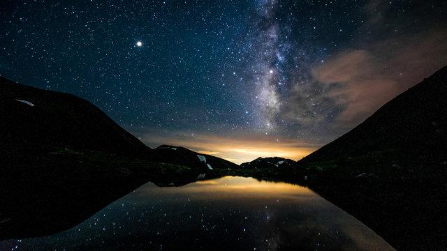 北アルプス、双六池と天の川、登山と自然の絶景