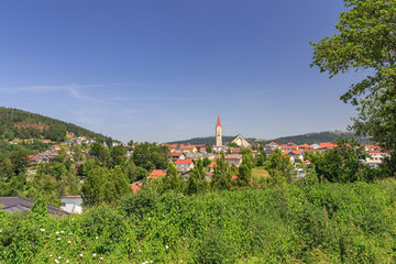 Blick auf den Luftkurort Hauzenberg bei Passau im Bayerischen Wald