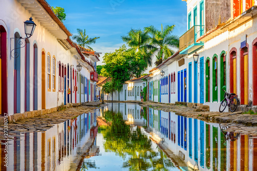 Fototapete Street of historical center in Paraty, Rio de Janeiro, Brazil. Paraty is a preserved Portuguese colonial and Brazilian Imperial municipality