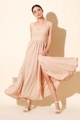 Dynamic shoot, showing a long dress in a best way.