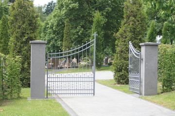 Friedhof, Friedhofseingang