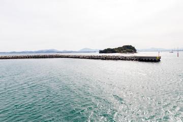 馬島の堤防と和合良島