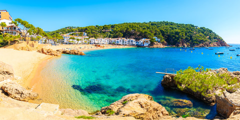 Fototapete - Panorama of amazing beach in Tamariu fishing village, Costa Brava, Spain