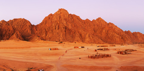 Türaufkleber Ziegel Red rocks on Sinai
