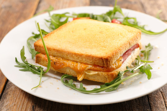 croque monsieur, toast bread slice with ham and cheese
