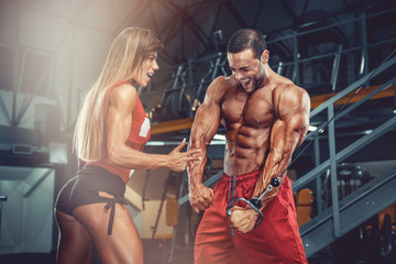 Power Couple! Fit Couple Train Together at the Gym