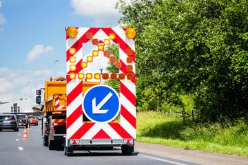 signalisation de travaux sur l'autoroute