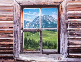 Blick auf den Watzmann von einer Berghütte