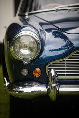 Poster Vintage voitures Headlight of a vintage classic car