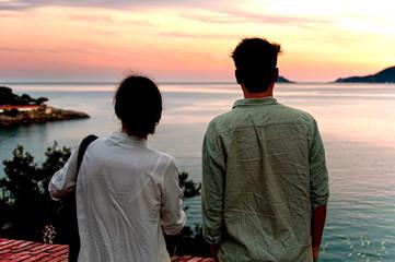 Coppia in ammirazione del golfo di Lerici